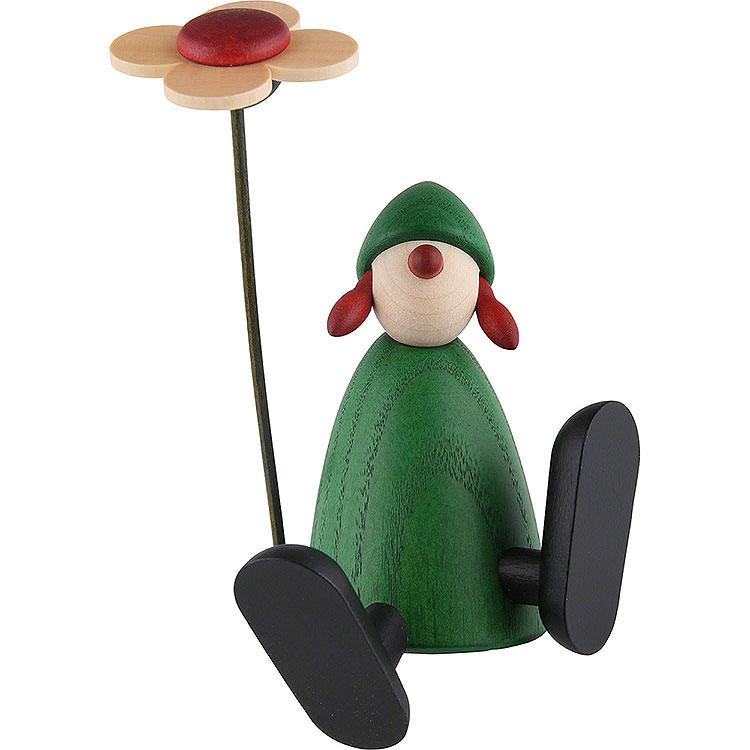 Gratulantin Sophie mit Blume a.Kante sitz./tanz., grün  -  9cm