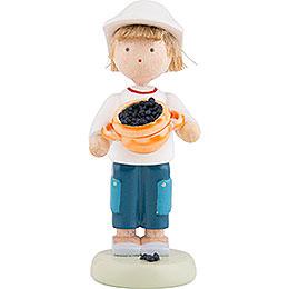Flachshaarkinder Junge mit Heidelbeeren  -  ca. 5cm