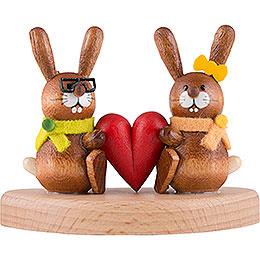 Hasenpaar auf Sockel mit Herz  -  5cm