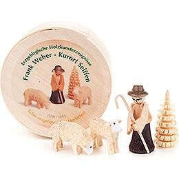 Shepherd in Wood Chip Box  -  3,5cm / 1.4 inch