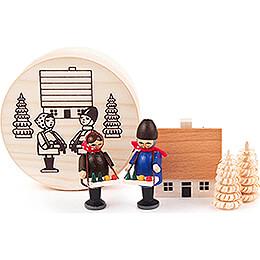 Striezel Children in Wood Chip Box  -  4cm / 1.6 inch